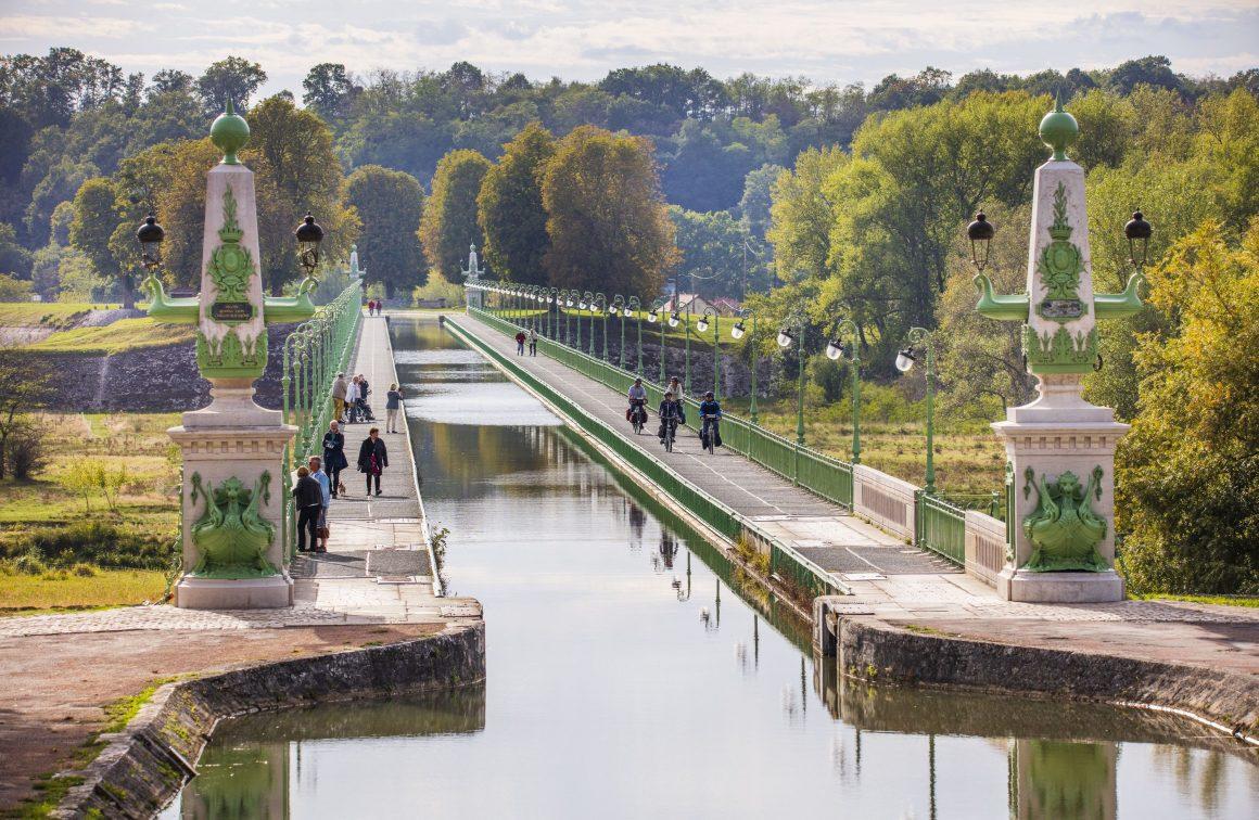 Sur le Pont-canal de Briare, Loiret